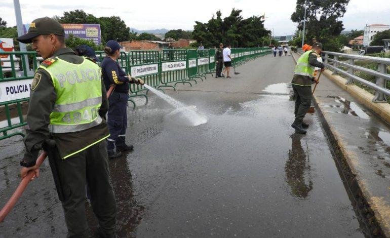 Colombia restringirá paso de personas en puentes fronterizos