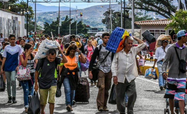 Gobierno de Ecuador comparó la crisis migratoria venezolana con la de Siria