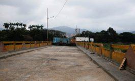 Contenedores en el paso fronterizo entre Venezuela y Colombia cumplen nueva función