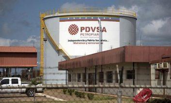 Apagones y sanciones derrumban la producción petrolera en Venezuela