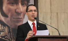 Arreaza culpó al bloqueo de EEUU por fallecimientos de niños a la espera de trasplantes