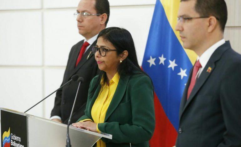¡Cobardes! Delcy Rodríguez anuncia cierre total de la frontera temporalmente