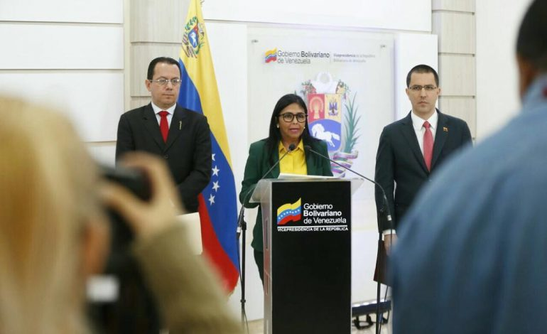 Delcy Rodríguez admitió que Maduro pidió ayuda humanitaria a al ONU