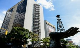 Detenidas cuatro personas por blanqueo en oficinas de ex embajador de España en Venezuela