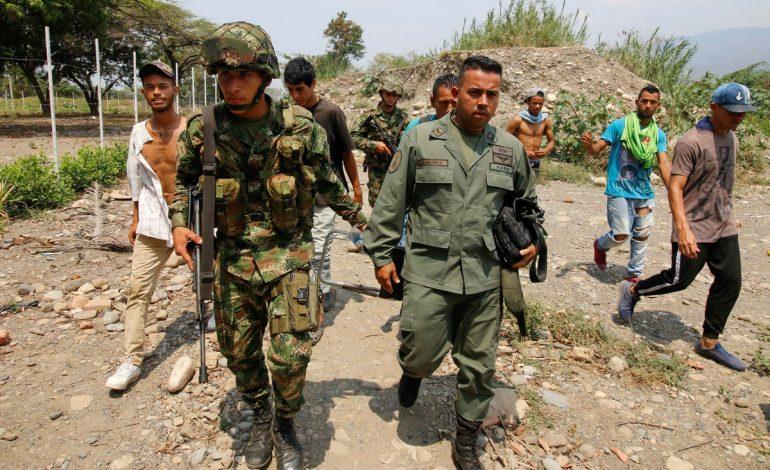 Más de 320 funcionarios venezolanos cruzaron a Colombia y reconocieron a Guaidó