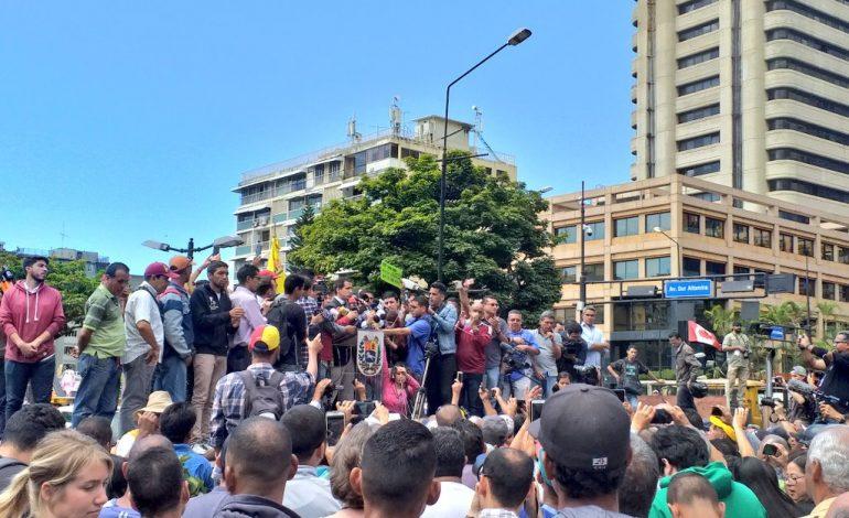Guaidó convocó movilización a los cuarteles para exigir ingreso de la ayuda humanitaria el #23F