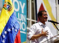 Guaidó llamó a los venezolanos a movilizarse hasta los cuarteles, pero en paz