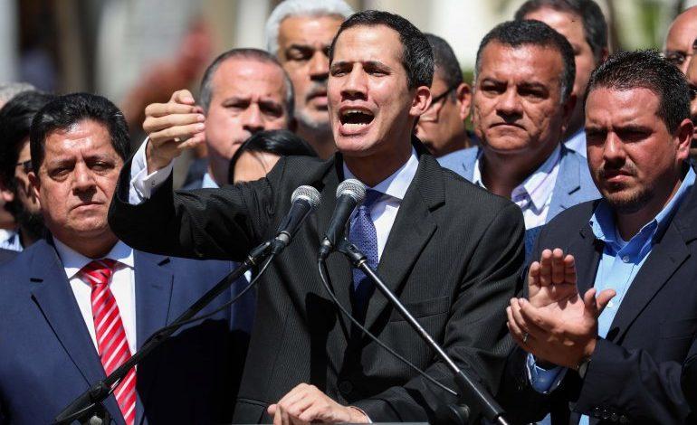 """""""Ese señor no es contralor"""": Guaidó sobre inhabilitación política anunciada por Elvis Amoroso"""