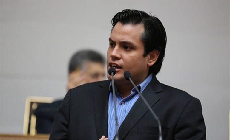 Paparoni: Empresas que hagan negocios con el régimen madurista serán sancionadas