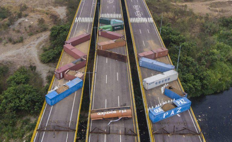 Régimen de Maduro instaló nuevos contenedores para bloquear el puente internacional Tienditas