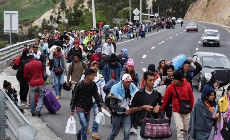 Jefe de Acnur advirtió que el flujo de migrantes venezolanos va a continuar