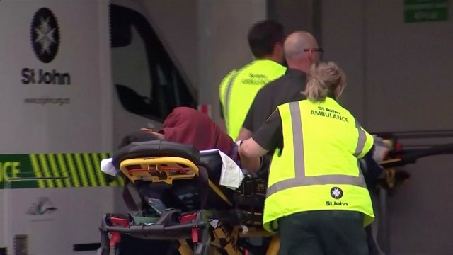 Ataques contra mezquitas en Nueva Zelanda dejaron al menos 49 muertos