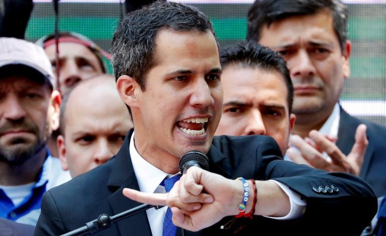 Guaidó  amenaza con intensificar presión  de calle luego de perder  inmunidad parlamentaria