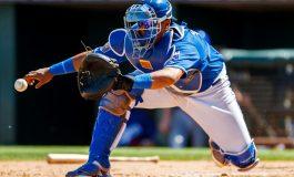 El beisbolista venezolano Salvador Pérez se perderá la temporada 2019 por lesión