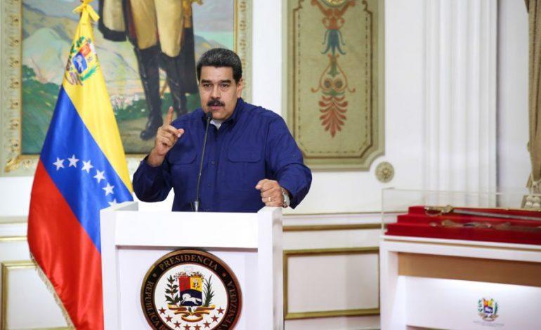 """Venezuela colapsando y Maduro calificando la crisis en un """"asueto laboral"""""""