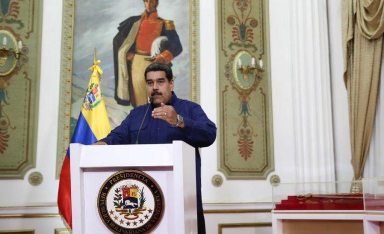 """Maduro presentó """"pruebas"""" que responsabilizan a EEUU por el apagón"""