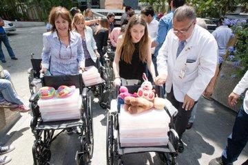 Donaciones de alimentos y medicinas fueron entregadas en hospital de la capital venezolana