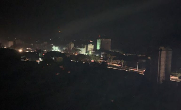 ¡12 horas sin luz! Apagón eléctrico afecta toda Venezuela