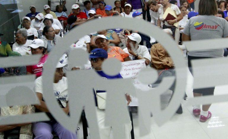 Expresidente del IVSS habría huido a Colombia para solicitar refugio