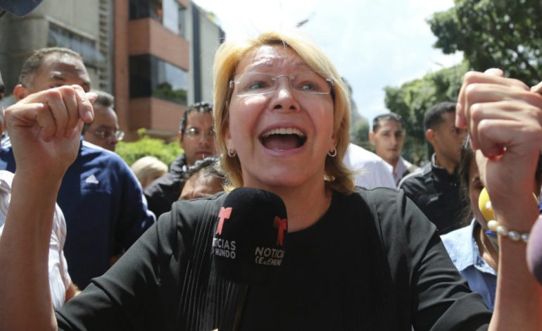 """Luisa Ortega Díaz estaría dispuesta a enfrentar la justicia """"si es necesario"""""""