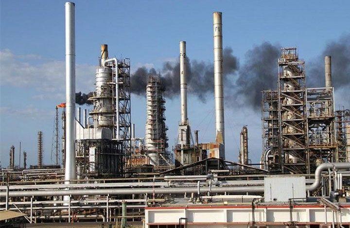 Incendio detuvo arranque de destiladora en Amuay, mayor refinería de Venezuela