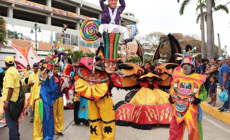 Fiesta chavista de Carnaval terminó con bombas lacrimógenas (+videos)