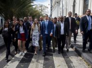 Venezolanos en París esperarán a Guaidó este 24 de enero