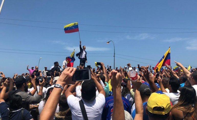 Presidente Guaidó se reunirá   con sindicatos y empleados públicos este martes