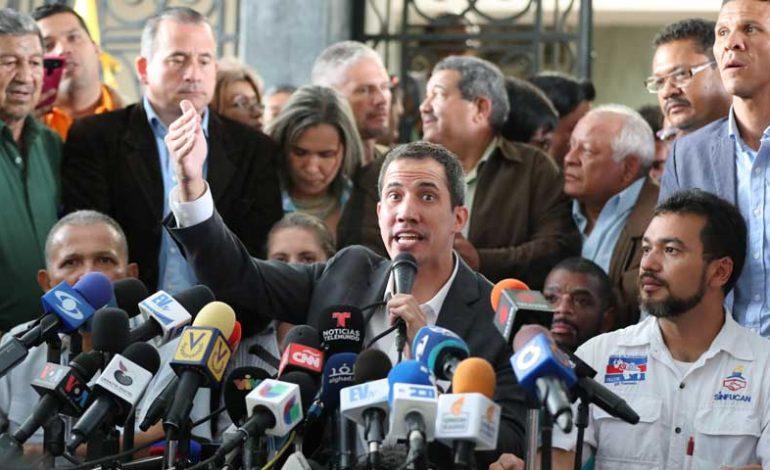Guaidó anunció paro laboral escalonado en la administración pública propuesto por los trabajadores