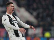 Ronaldo deberá pagar 20 mil Euros por tocarse los genitales a manera de burla en un partido