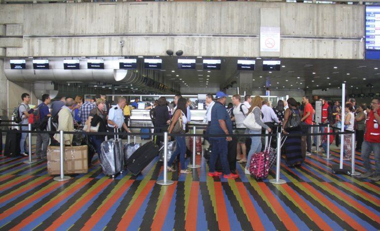 Aerolíneas venezolanas cancelaron varios vuelos en Semana Santa por falta de pasajeros
