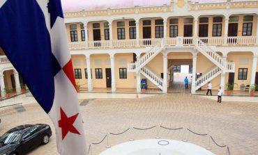 Panamá retiró credenciales a 14 diplomáticos de Maduro