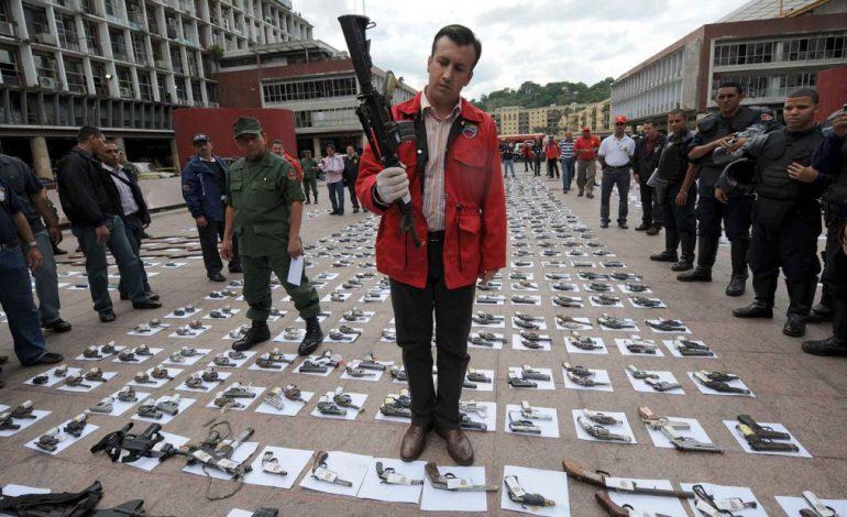 ¿Ahora si? El Aissami espera que ayuda humanitaria china disminuya la crisis del sector salud