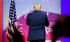 Trump consideraría hacer cambios en ley que prohíbe a compañías de EEUU sobornen a funcionarios extranjeros