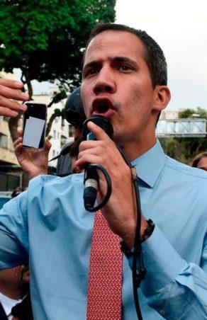 Guaidó aceptó invitación de Noruega para explorar posible salida negociada del régimen madurista
