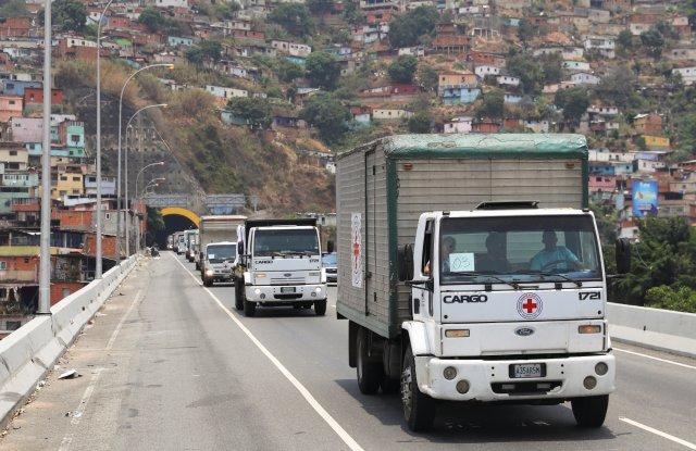 La primera ayuda humanitaria de la Cruz Roja sólo trajo material descartable