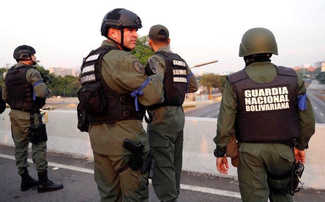 Guaidó aseguró que militares están pasándose a su lado