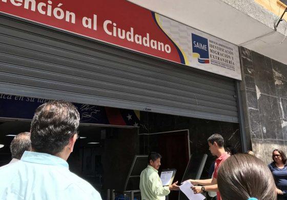 """Venezolanos a la espera de pasaportes deberán """"ratificar"""" su solicitud ante el Saime"""