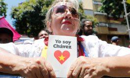 Chávez, un foco ideológico en los consulados de Venezuela en España