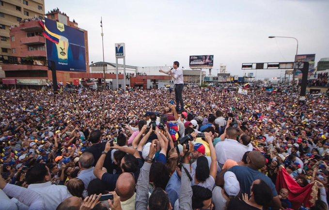 Guaidó recibió el respaldo masivo de los zulianos pese a los obstáculos
