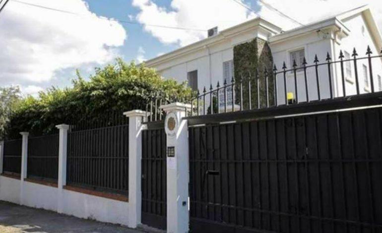 Personal diplomático chavista en Costa Rica abandonó la embajada venezolana