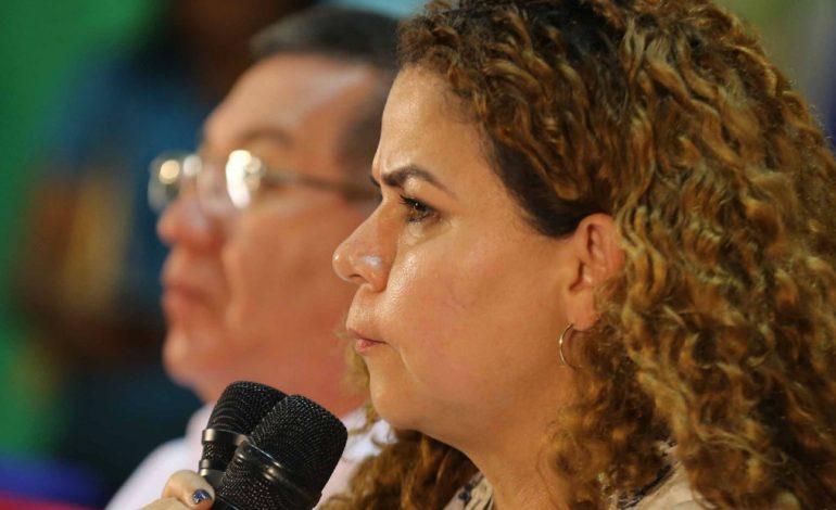 Ministra Varela aconsejó a Maduro apartar a todo funcionario con visa americana