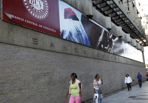 """""""Mesas de Cambios"""" operarán desde este lunes en las entidades bancarias"""