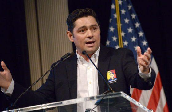 Vecchio pidió a congresistas de EEUU apoyo para endurecer sanciones contra Maduro