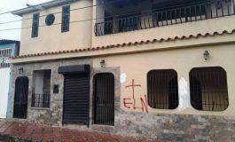 Con el sello del ELN marcan casas de dirigentes y diputados opositores en municipio fronterizo