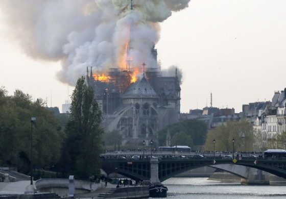 Notre Dame podría estar reconstruida al menos en cinco años