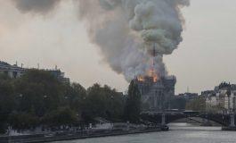Papa Francisco destacó que incendio en Notre Dame afecta a todos los franceses sin importar su credo
