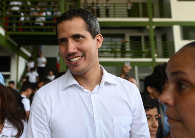 """Juan Guaidó debe organizar el """"gobierno de liberación de Venezuela"""", por Carlos Sánchez Berzaín"""