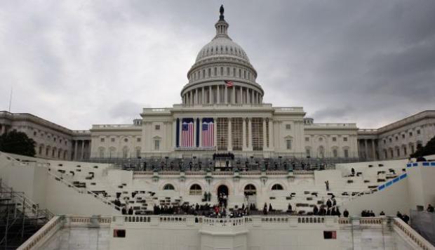 Congresistas de EEUU buscan alivio inmigratorio para venezolanos