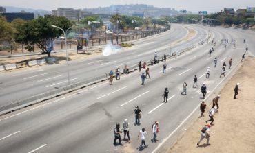 Asciende a 56 la cifra de manifestantes asesinados por el régimen de Maduro